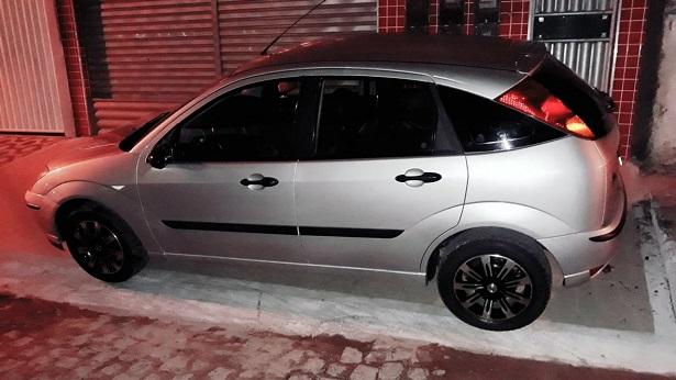 SAJ: Carro de motorista de aplicativo é tomado de assalto - saj, policia