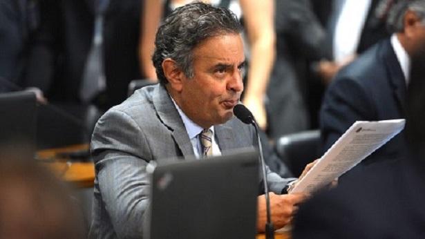 Aécio Neves é submetido a cirurgia - brasil