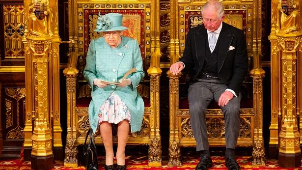 Rainha Elizabeth convoca reunião com família para discutir saída de Harry e Meghan - mundo
