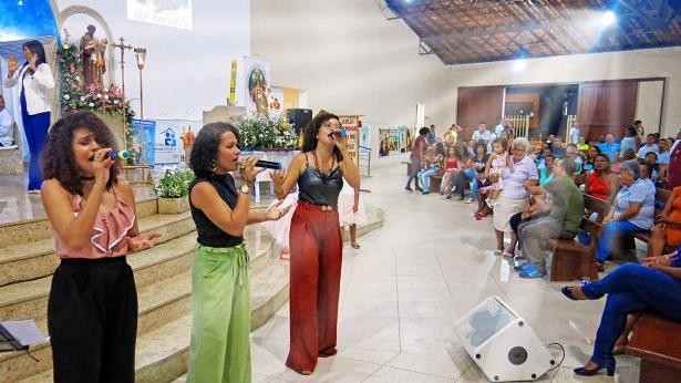 """SAJ: Show do grupo católico """"As Marias"""" conclui novenário de São Benedito - saj, noticias, eventos-catolicos, destaque"""