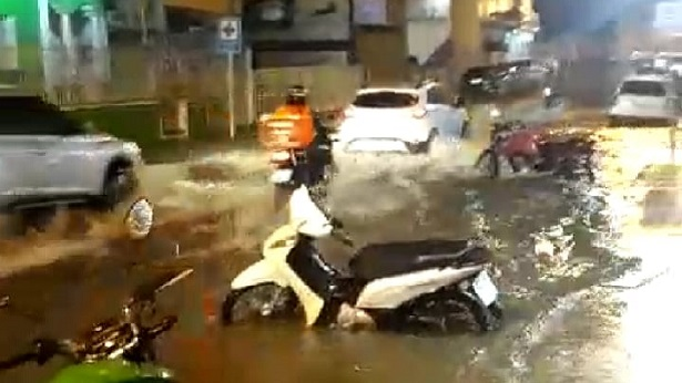SAJ: Temporal deixa ruas alagadas e sem energia elétrica - saj, noticias, destaque