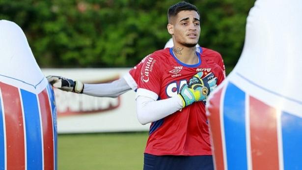 Torcida do Atlético-GO protesta após contratação de Jean - esporte