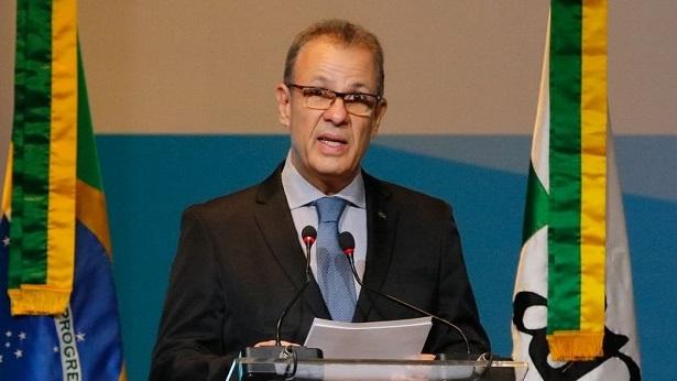 Conta de luz das igrejas custaria 'insignificantes' R$ 30 milhões, diz ministro - economia