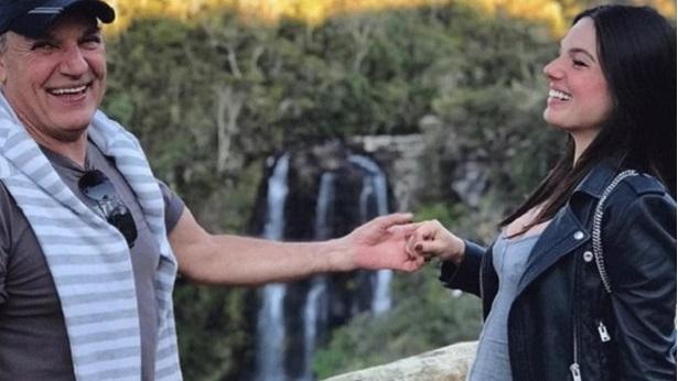 Isis Valverde é afastada de 'Amor de Mãe' após morte do pai - celebridade