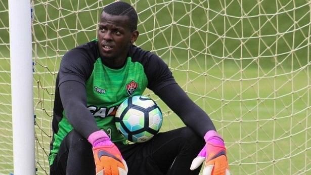 Contestado no Vitória, goleiro é pré-convocado para seleção Olímpica - esporte