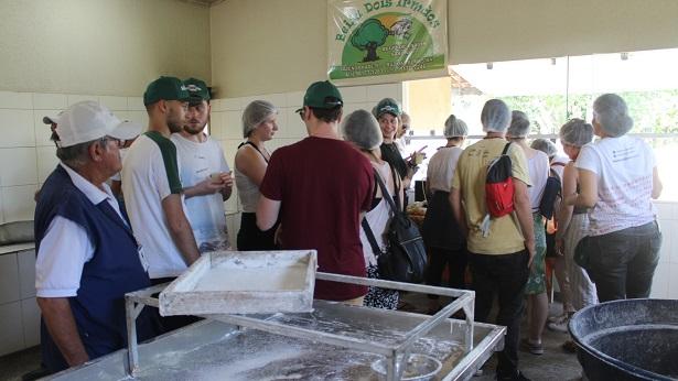 Cruz das Almas: Farinha de Copioba é foco de visita de italianos do Slow Food - noticias, cruz-das-almas