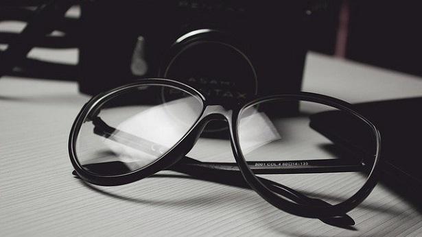 Prevenção contra a COVID-19: Saiba como manter seus óculos desinfetados - saude
