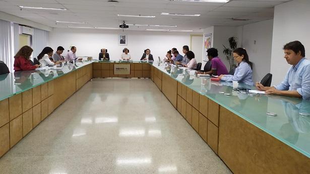 Secretaria da educação do estado discute medidas durante suspensão das aulas - educacao