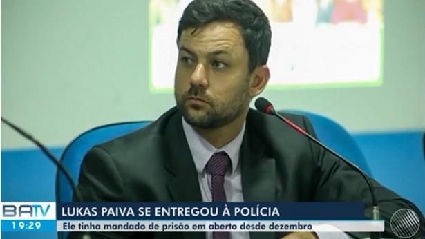 Ilhéus: Foragido da Justiça, vereador se entrega à polícia - justica, ilheus, destaque