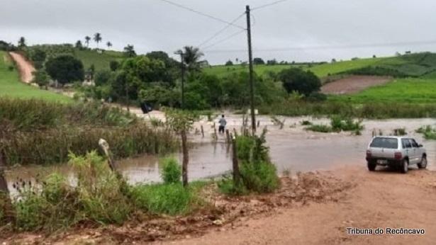 Varzedo: Rio transborda em São Roque dos Macacos - varzedo, noticias, destaque
