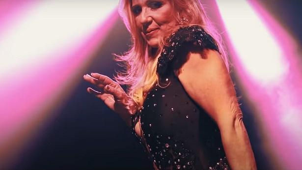 Rita Cadillac diz que auxílio emergencial ajudou a pagar conta de luz - celebridade