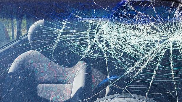 Brejões: Carro invade casa após comerciante perder controle da direção - destaque, brejoes, transito