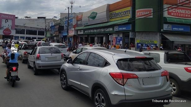 SAJ: Mesmo com aumento de casos de Covid-19, mês é encerrado com aglomeração - saj, noticias, destaque