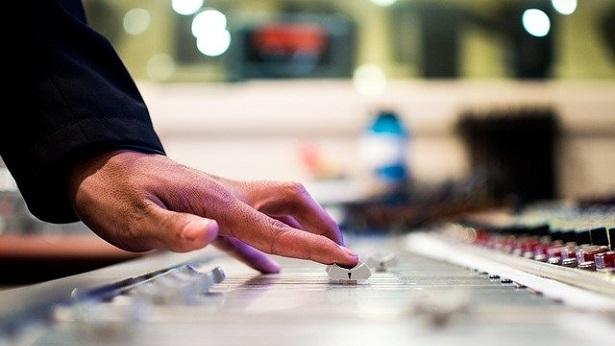 Publicadas regras para licenciamento das emissoras e retransmissoras de radiodifusão - brasil