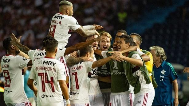 Conmebol proíbe beijo na bola e troca de camisas no retorno dos torneios de futebol - esporte