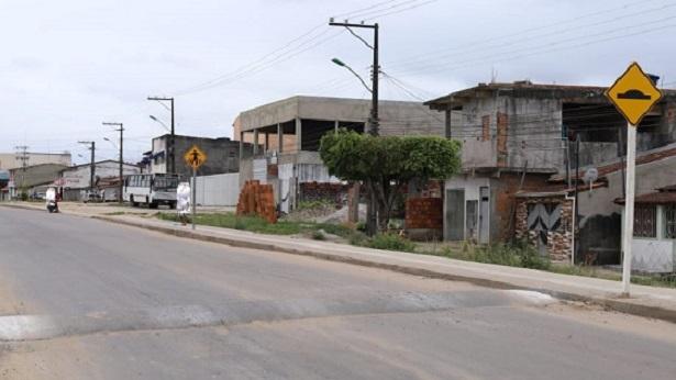 SAJ: Novos redutores de velocidade são instalados na cidade - saj, noticias