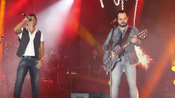 Zezé Di Camargo e Luciano fazem primeira live no Dia das Mães - noticias, celebridade