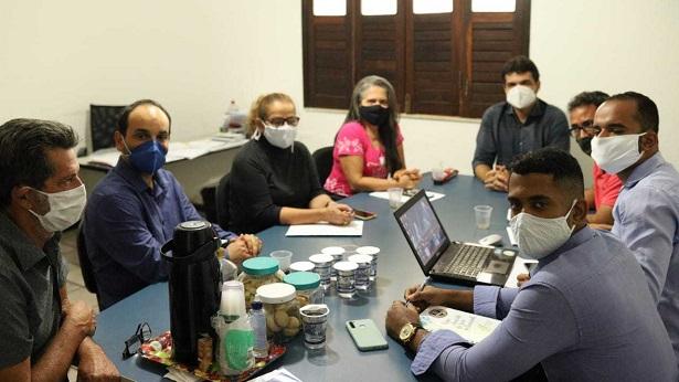SAJ: Prefeito se reúne com secretários e comissão de moradores do Cidade Nova II - saj