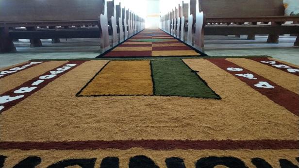 SAJ: Leigos montam tapete de Corpus Christi na Matriz de São José - saj, noticias, destaque, catolico
