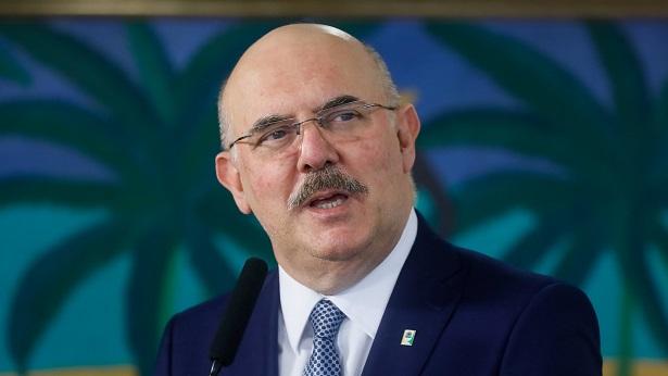 Ministro da Educação afirma que testou positivo para coronavírus - educacao