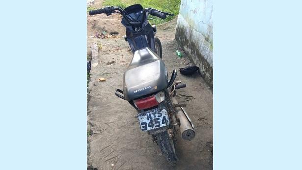 Moto roubada em Sapeaçu é recuperada em Conceição do Almeida - dom-macedo-costa, destaque, conceicao-do-almeida