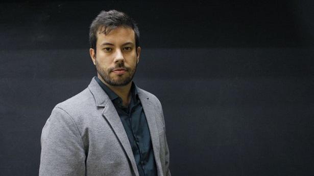 """Comentário """"A Psicologia das massas e a aprovação de Bolsonaro"""" com Dr. Leonardo Torres. Ouça ! - podcast, noticias"""