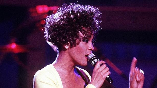 Homenagem cinematográfica a Whitney Houston deve ser lançada em 2022 - noticias, cinema