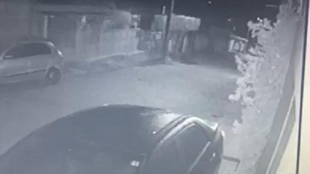 Amargosa: Tiros atingem veículos e residência na Sucupira - noticias, amargosa