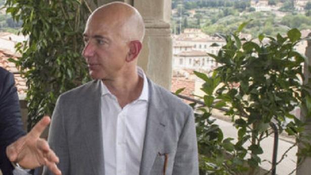 Fundador da Amazon, Jeff Bezos é considerado homem mais rico do mundo pela quarta vez consecutiva - mundo, economia