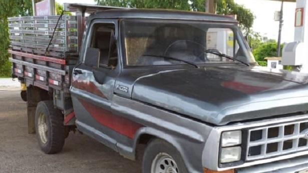Caminhão F1000 é furtado em Wenceslau Guimarães - wenceslau-guimaraes, noticias, bahia