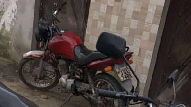 Muritiba: Motocicleta é tomada de assalto na BA-494 - policia, muritiba