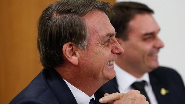 Bolsonaro recebe advogados de Flávio Bolsonaro para discutir caso Queiroz - politica