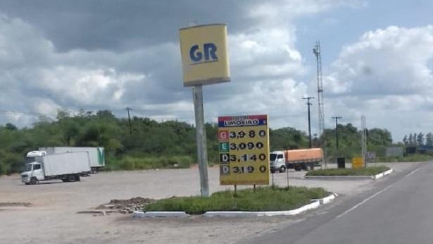 Proprietário de veículo questiona valor da gasolina em Santo Antônio de Jesus - saj, destaque