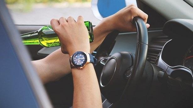 Álcool e direção, uma combinação perigosa no trânsito - brasil