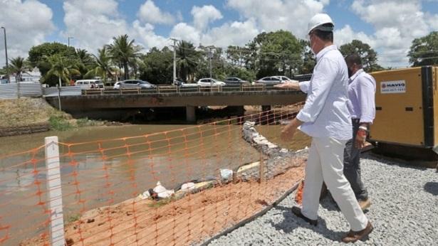 Lauro de Freitas: Rui entrega passarela e autoriza recuperação da Estrada do Coco - lauro-de-freitas, bahia