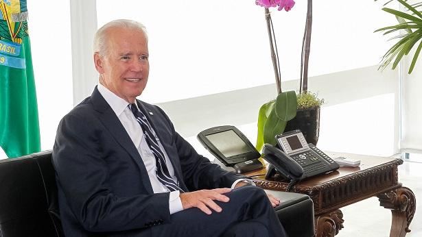 Presidente dos Estados Unidos Joe Biden toma terceira dose contra Covid - mundo