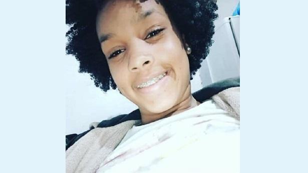 SAJ: Protesto e comoção marcam enterro de adolescente assassinada pelo namorado - saj, destaque, bahia