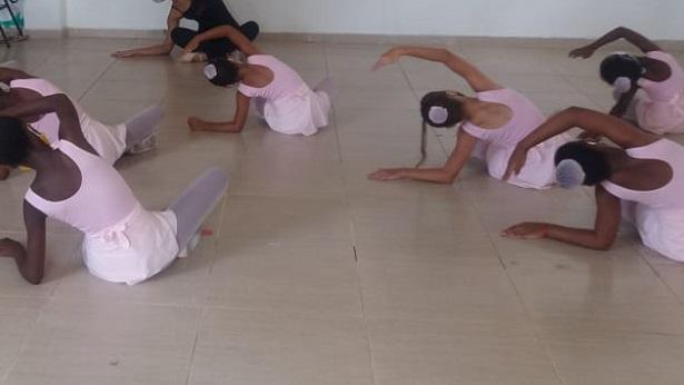 SAJ: Prefeitura inicia aulas de ballet para crianças através do Projeto Técnico Social - saj