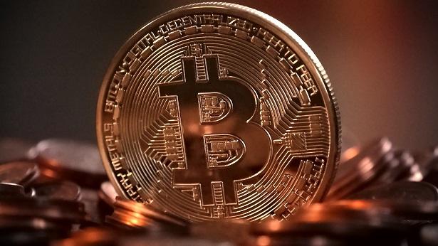 Empresa comete equívoco, manda bitcoin 'de brinde' e clientes ficam milionários - mundo, economia