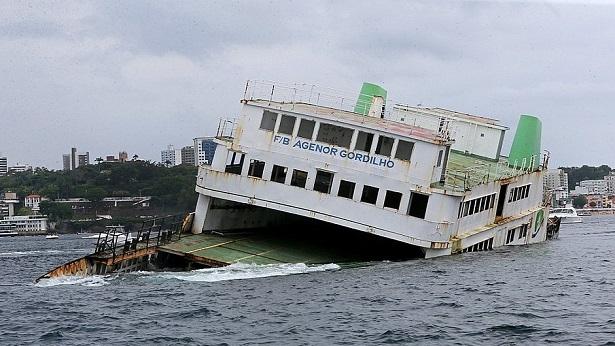 Ferry-boat Agenor Gordilho é afundado na Baía de Todos-os-Santos - bahia