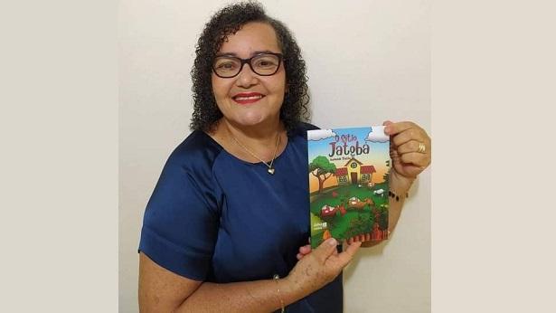 Mutuípe: É neste sábado (14) o lançamento do livro O SÍTIO JATOBÁ de Aurineide Thethê - mutuipe, literatura, destaque