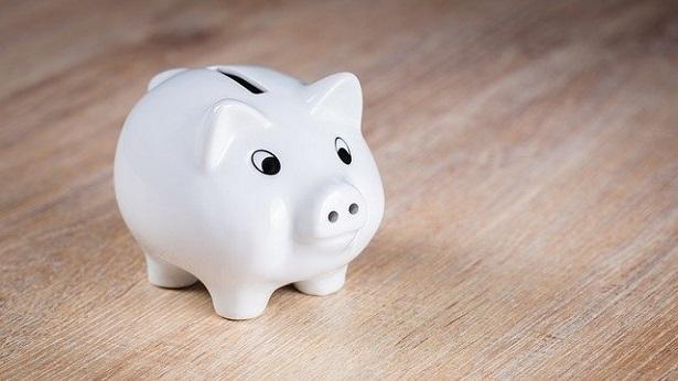 6 dicas de como poupar dinheiro mesmo com a renda reduzida - economia