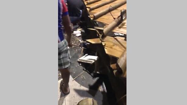 Estrutura de barraca desaba em Salvador deixando quatro feridos - saude