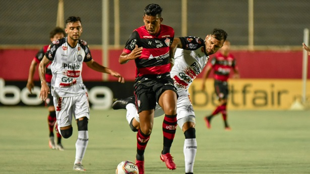 No primeiro jogo do ano, Vitória empata com o Operário no Barradão - noticias, esporte