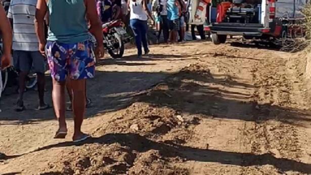 Cruz das Almas: Idoso e mulher morrem após moto ser atingida por patrol - destaque, cruz-das-almas, transito