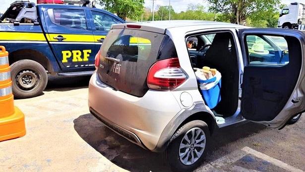 Feira de Santana: PRF apreende drogas após perseguição a carro na BR-116 - policia, feira-de-santana, bahia