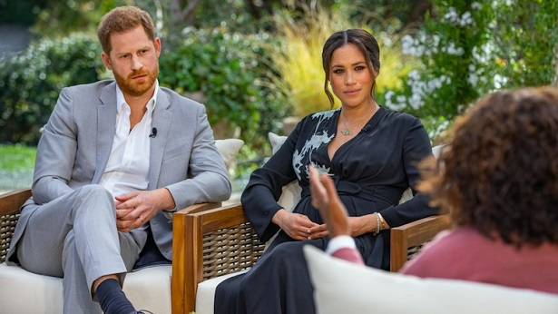Príncipe Harry chega ao Reino Unido dois dias após a morte do avô príncipe Philip - mundo