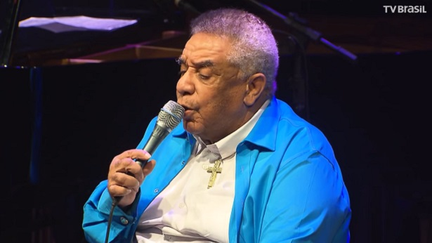 Morre aos 84 anos, vítima da Covid-19, o cantor Agnaldo Timóteo - celebridade