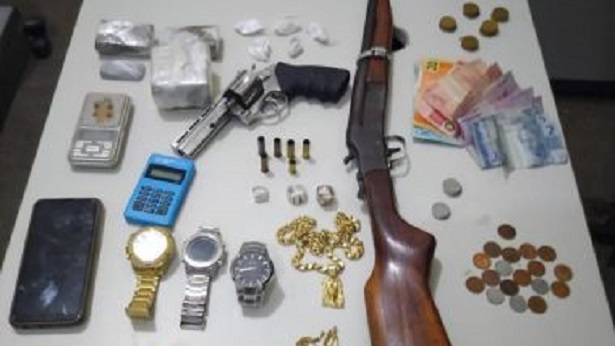 Itaberaba: Suspeito de tráfico morre em ação da polícia - policia, itaberaba, bahia