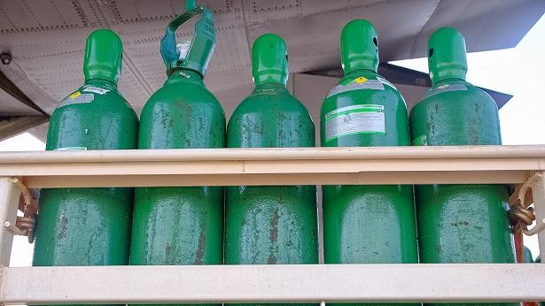 Governo da Bahia entrega cilindros de oxigênio para Brumado e outros 12 municípios do interior - cabaceiras-do-paraguacu, brumado, bahia